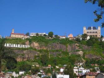Ecriture Antananarivo et le Rova Manjakamiadana