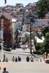 Les grands Escaliers d'Analakely, vestige de la magnificence passée de la ville.