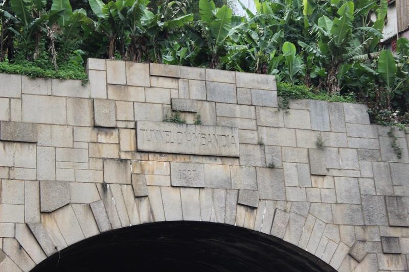 Ecriteau du tunnel d'Ambanidia
