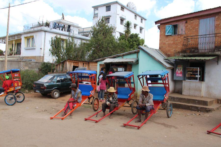 Des tireurs de pousse d'Antsirabe