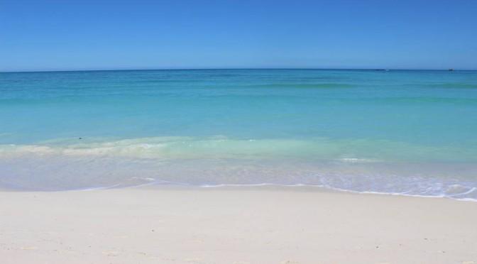La mer est pure à Nosy Iranja.