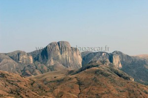 Le massif du tsaranoro