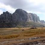 Des massifs rocheux de l'Andringitra
