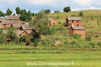 Des maisons malgaches typiques des hauts plateaux