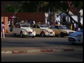 Une station de taxis à Antananarivo
