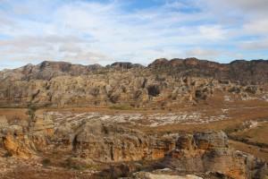 Point de vue sur des roches du parc de l'Isalo