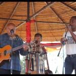 Les Mahaleo sur scène.