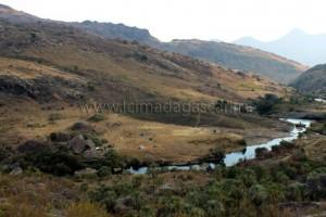 Le campement près de la vallée de Tsaranoro