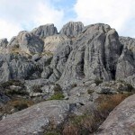 Massifs rocheux du paysage lunaire à l'Andringitra